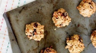 5 Oatmeal Breakfast Cookies Under 130 Calories Per Cookie